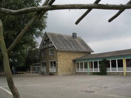 Schule in Emmels