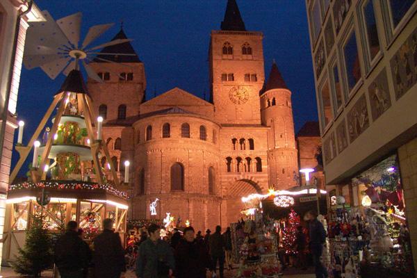 Weihnachtsmarkt In Trier.Trierer Weihnachtsmarkt Geht Als Grußkarte Um Die Welt