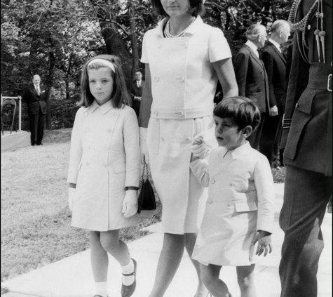 Jackie Kennedy Ist Auch 20 Jahre Nach Ihrem Tod Eine Legende