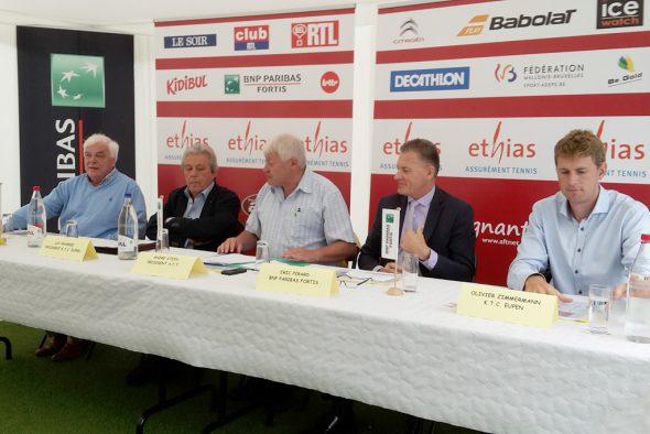 Programmvorstellung des Eupener ITF-Tennisturniers 2016: Yves Freson (Präsident AFT Lüttich), Luc Xhardez (Präsident KTC Eupen), André Stein (Präsident AFT), Eric Pirard (BNP Paribas-Fortis) und Olivier Zimmermann (Sportdirektor KTC Eupen)