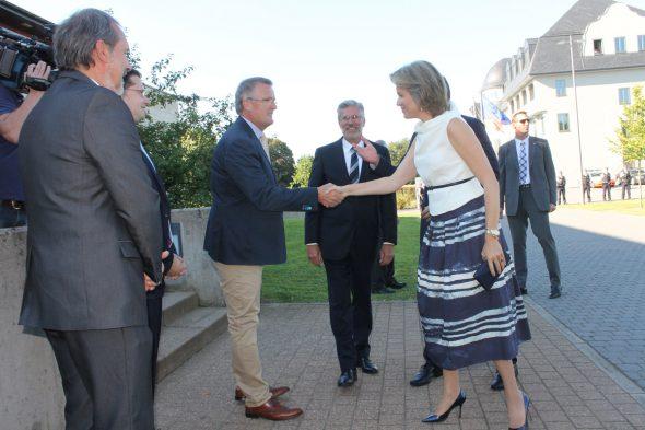 Partnerinnen der Staatschefs um Königin Mathilde zu Besuch im BRF