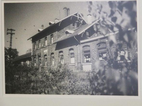 """Ausstellung des """"Fototreffs Eifel"""" zum Thema Eisenbahn im ZVS-Museum in St. Vith: Bahnhof Raeren - Thomas Leufgen"""