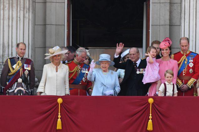 Queen Feiert Geburtstag Und Sieht Trube Stimmung In Grossbritannien