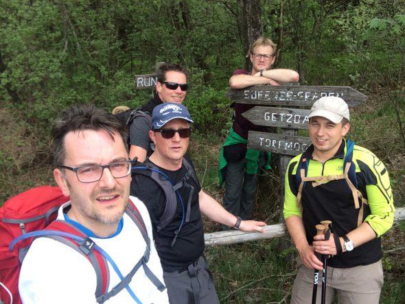 """Oxfam-Trailwalker-Gruppe """"Trailevators"""": Christoph Heeren, Lars Hermann, Yves van Cauteren (Ersatzmann), René Meurer und Christian Greven (v.l.n.r.)"""