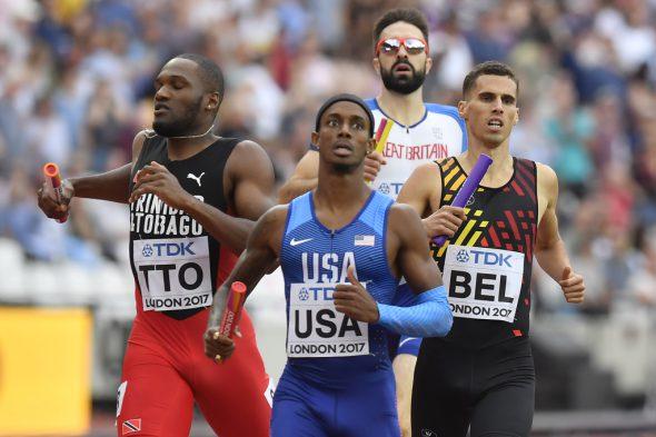 Schlussläufer Kevin Borlée überholt noch den Läufer aus Großbritannien und kommt als Dritter ins Ziel