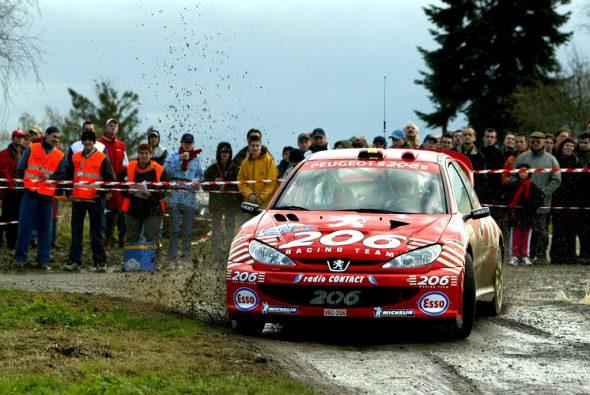 Bruno Thiry und Stéphane Prévot bei der Rallye du Condroz 2002 (Bild: Willy Weyens/Belga)