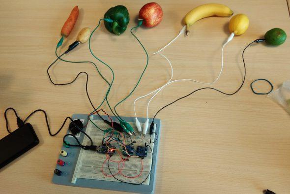 Start Elektronik: Eine Projektwoche in den Schulferien (Bild: Manuel Zimmermann/BRF)