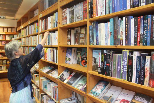 In der Buchhandlung Schmetz in Aachen (Bild: Rudi Schroeder/BRF)