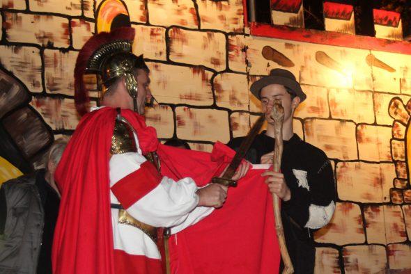 St. Martin teilt seinen Mantel mit einem Bettler