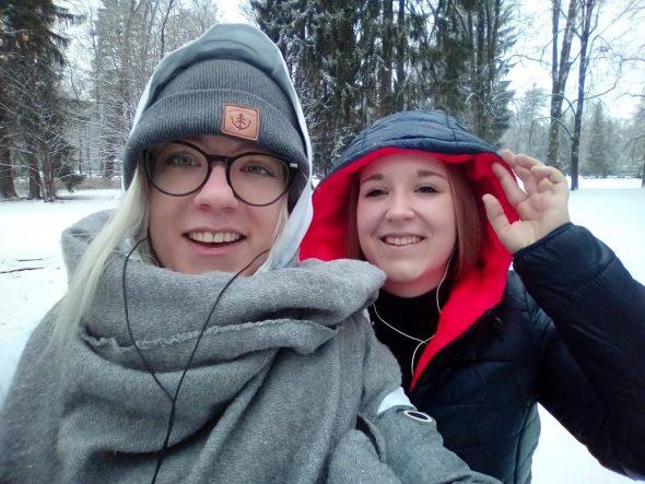 Céline Igelmund und Anna Lassoie in der Slowakei (Bild: privat)