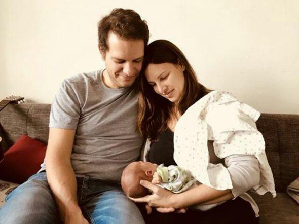 Katrin Hammerschmidt mit ihrem Mann Dries und Töchterchen Marlene (Bild: privat)