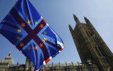 Europäische und britische Flagge in London (Bild: Tolga Akmen/AFP)