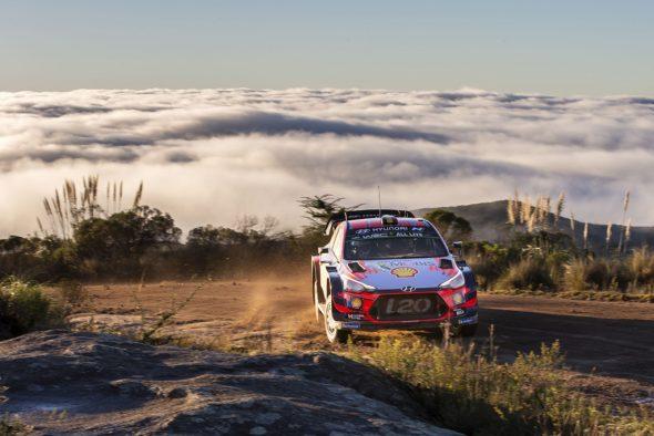 Thierry Neuville/Nicolas Gilsoul im Hyundai i20 WRC bei der Rallye Argentinien (Bild: Austral/Hyundai Motorsport)