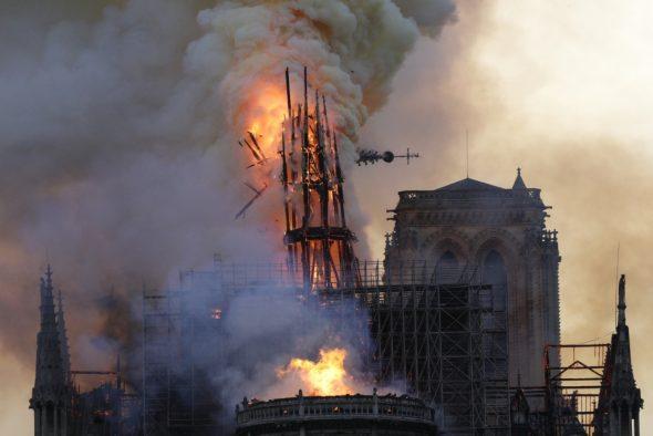 Notre-Dame in Flammen (Bild: Geoffroy Van Der Hasselt/AFP)