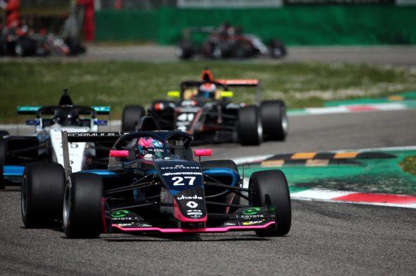 Ugo De Wilde gewinnt sein erstes Rennen im Formel Renault Eurocup (Bild: Georges Decoster)