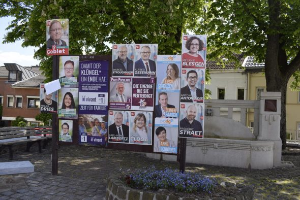 Wahlwerbung in Eupen (Bild: Raffaela Schaus/BRF)