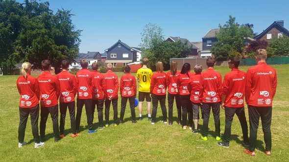 Die Ultimate-Frisbee-Mannschaft des César-Franck-Athenäums Kelmis (Bild: Christophe Ramjoie/BRF)