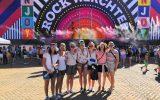 Die sieben Ex-KLJ-Leiterinnen aus Eynatten sind zum ersten Mal bei Rock Werchter (Bild: Christophe Ramjoie/BRF)