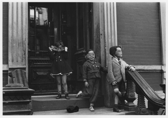 Helen Levitt: New York City, c.1940 © Helen Levitt Film Documents LLC. All rights reserved