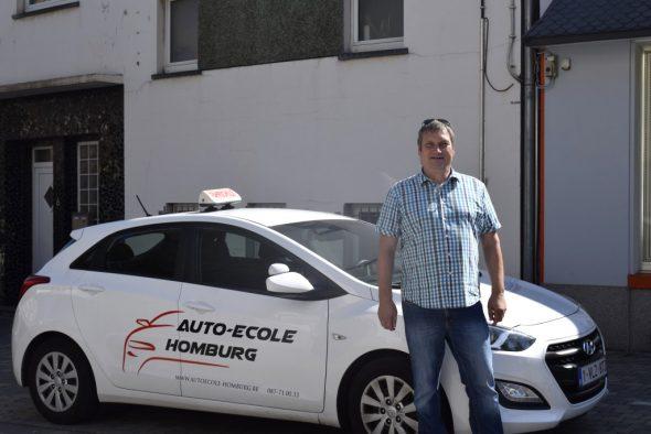 Fahrlehrer Hentschel von der Fahrschule Homburg (Bild: Raffaela Schaus/BRF)