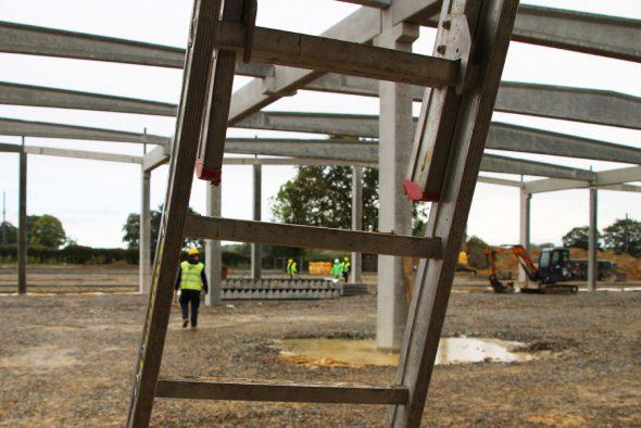 Fachkräftemangel im Baufach - Baustellentag der CSC auf dem Bpost-Gelände in Lontzen (Bild: Chantal Scheuren/BRF)