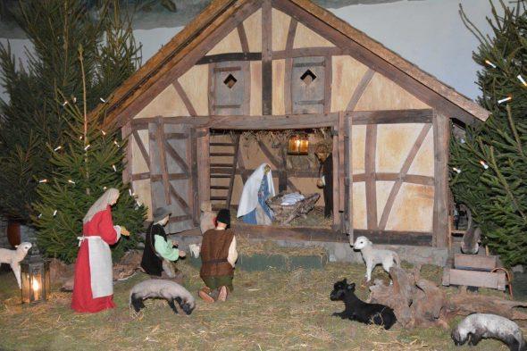 """Krippe in Rocherath (Bild: Buch """"Ein Kind geboren zu Bethlehem"""")"""
