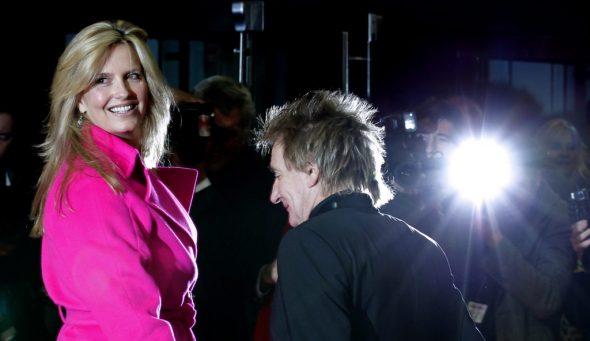 Rod Stewart mit Ehefrau Nummer drei, Penny Lancaster (Archivbild: Kerim Okten/EPA)