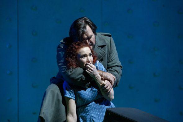 Larisa Akbari und Cooper Nolan (Bild: Wil van Iersel/Theater Aachen)