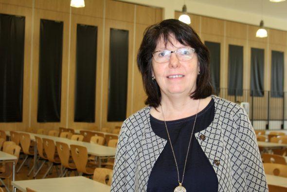 Karin Charlier-Plumacher, Direktorin der Grundschule des Königlichen Athenäums in Eupen (Bild: Anja Verbaarschot/BRF)