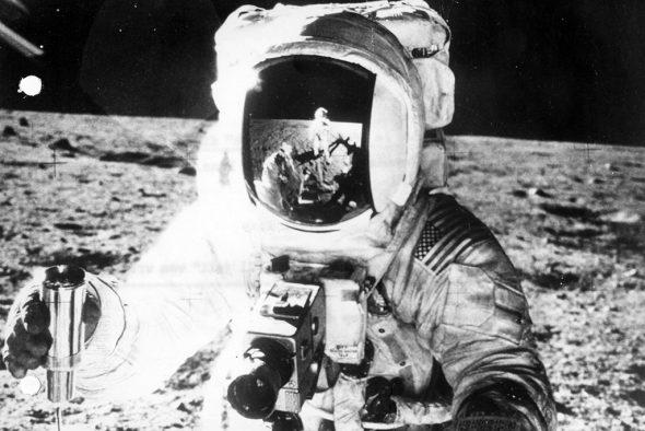 Armstrong und Aldrin auf dem Mond (Bild: Belga-Archiv)