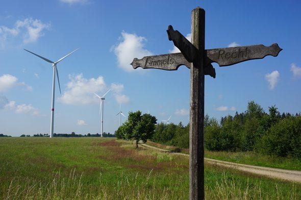 Um diesen Windpark zwischen Emmels und Recht geht es (Bild: Stephan Pesch/BRF)