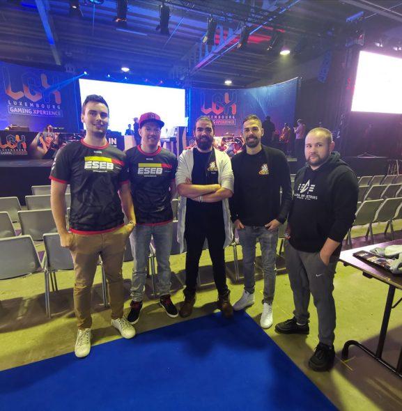 E-Sports East Belgium, ganz links im Bild: Präsident Kevin Parmentier (Bild: privat)