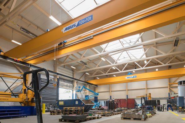 X-Wood aus Büllingen ist für den Bau einer Produktionshalle des Unternehmens CFM Schiller GmbH in Roetgen ausgezeichnet worden (Bild: Morgenstern & Kaes Werbung GmbH)