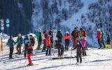 Skitouristen in Österreich (Bild: Johann Groder/AFP)