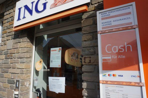 Ein Beispiel für den Rückzug der Banken: In Amel sind die Automaten der ING außer Betrieb genommen worden (Bild: Stephan Pesch/BRF)