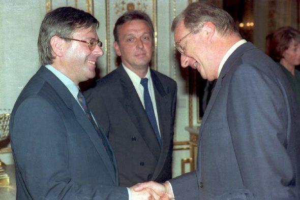 Joseph Maraite, Mathieu Grosch und König Albert II. 1993 (Bild: Herwig Vergult/Belga)