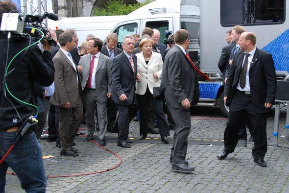 Mathieu Grosch mit Armin Laschet und Angela Merkel in Aachen (Archivbild: privat)