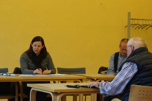 In Vertretung von Bürgermeisterin Marion Dhur leitete Schöffin Sonja Houscheid die Sitzung (Bild: Stephan Pesch/BRF)