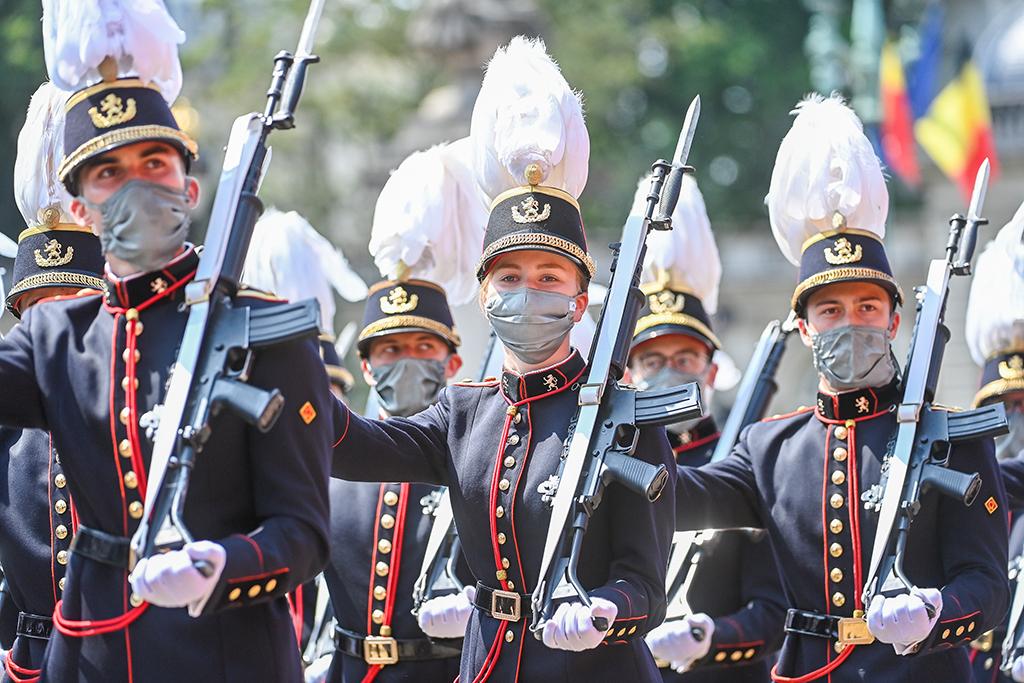 Kronprinzessin Elisabeth bei der Militärparade (Bild: Laurie Dieffembacq/Belga)