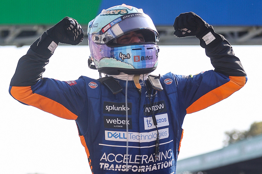 Daniel Ricciardo gewinnt das Formel-1-Rennen in Monza im McLaren (Bild: Lars Baron/AFP)