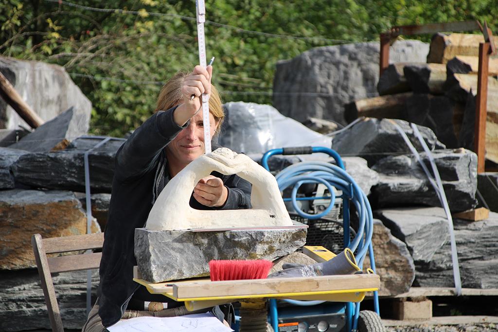 Bildhauerin Daniela Clever (Bild: Chantal Scheuren/BRF)